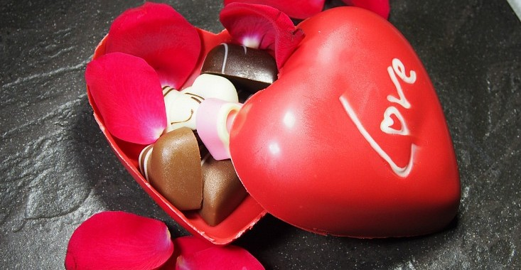 PURE GLUTTON BLOG : VALENTINES DAY PROMOTION AT CEDAR ON 15